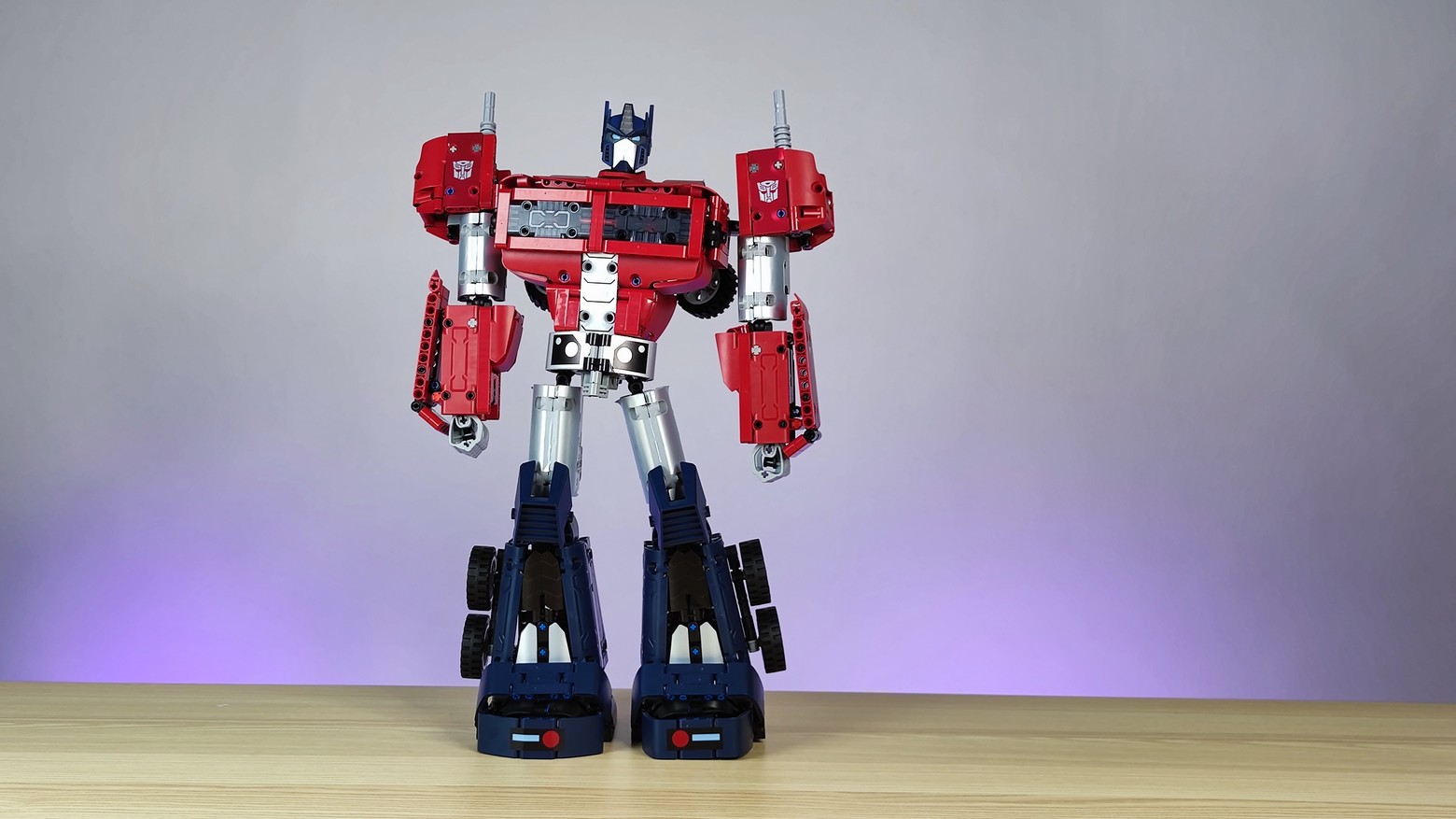 Xiaomi x Hasbro Nezha Transformers Optimus Prime Hands On!